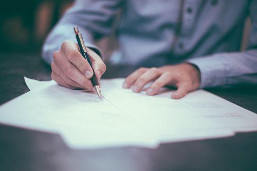 Pleno del Congreso aprueba mantener el Seguro de Vida Ley tras el cese laboral