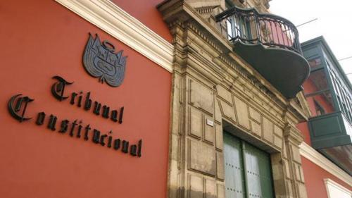 TC: EN EJECUCIÓN DE SENTENCIA PUEDE DESCONTARSE EL IR Y APORTES DE AFP