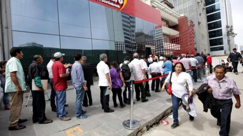 AFP: CONGRESO APROBÓ PROYECTO QUE PROPONE QUE ADMINISTRADORAS DEVUELVAN EL 50% DE COMISIONES
